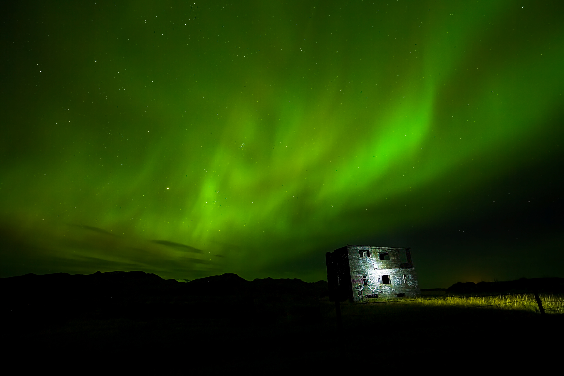 Andrei Duman Northern Lights, Abandoned House, Iceland 19