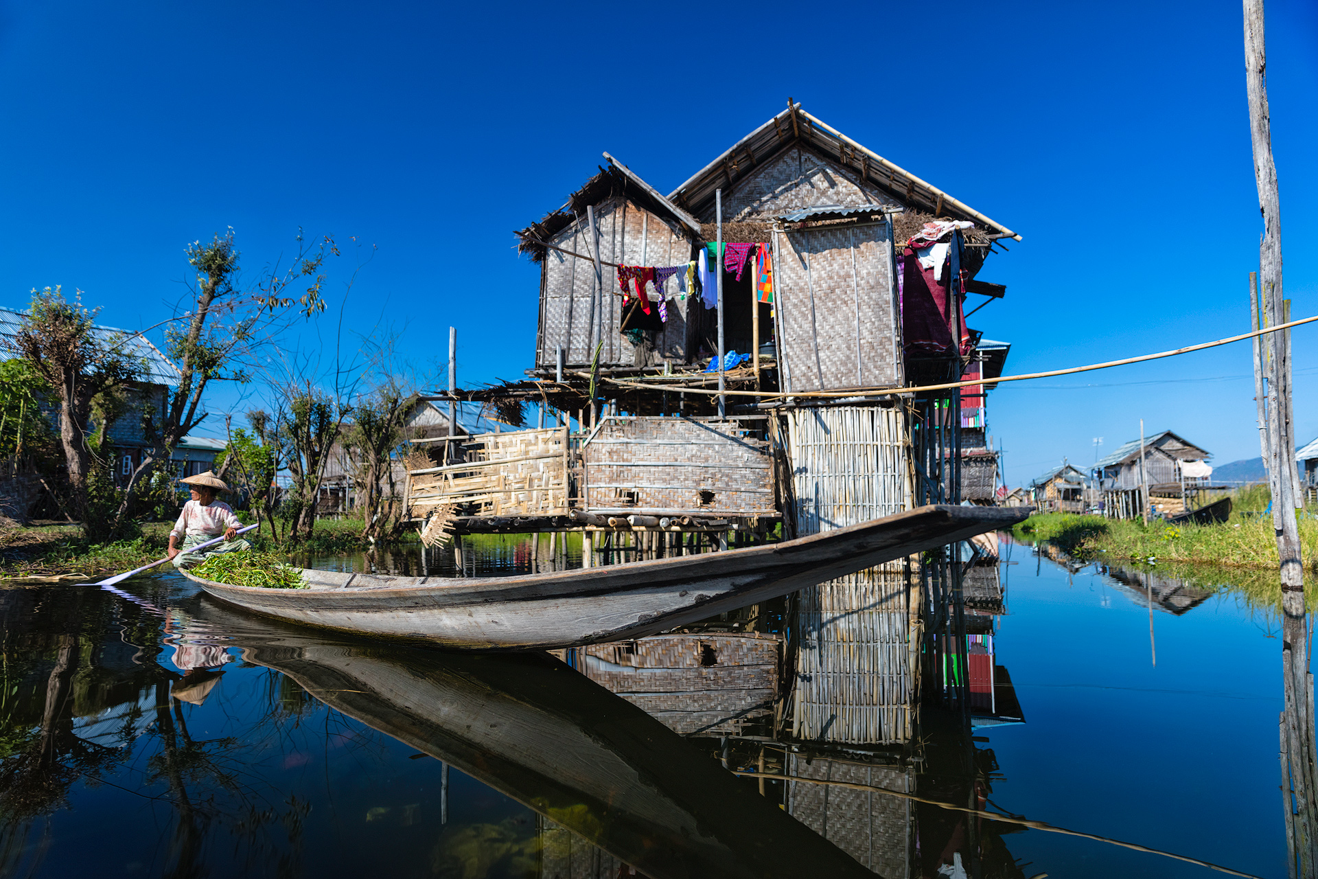 inleboatwoman